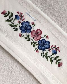 This Pin was discovered by ÇAĞ Cross Stitch Borders, Cross Stitch Designs, Cross Stitching, Cross Stitch Embroidery, Cross Stitch Patterns, Towel Embroidery, Floral Embroidery, Embroidery Patterns, Free To Use Images