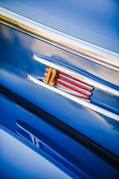 Lincoln Images by Jill Reger - Images of Lincolns - 1942 Lincoln Zephyr Coupe Emblem