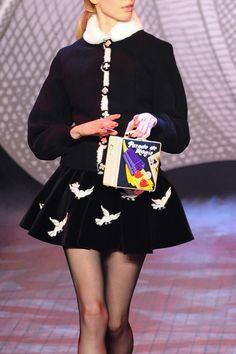 オランピア ル タン(Olympia Le Tan) 2014-15年秋冬コレクション Gallery11 Mini Skirt Dress, Skater Skirt, Mini Skirts, Runway Fashion, Fashion Show, Fashion Outfits, Granny Style, Olympia Le Tan, Kawaii Fashion