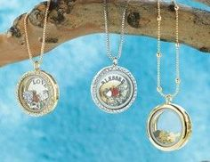 Story Lockets Necklace. Super cute! :)
