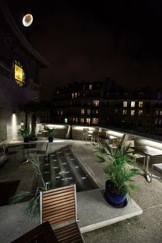 La terrasse du Louxor http://www.123terrasse.fr/cinema-le-louxor #coffee #bar #restaurant #soleil #terrace #Paris #spot #sun