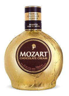 Mozart Chocolate Cream Liqueur Belgian chocolate, fresh cream and aromatic notes of vanilla and cocoa - this fine blend, together with the special manufacturing process, makes Mozart Chocolate Cream Liqueur a unique Austrian speciality. Wine And Liquor, Wine Drinks, Cocktail Drinks, Alcoholic Drinks, Cocktails, Grand Marnier, Belgian Chocolate, Chocolate Cream, Tequila