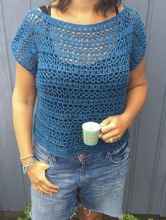 Crocheted sweater - byClaire - crochet patterns, books and yarn Crochet Cardigan Pattern, Crochet Tunic, Crochet Clothes, Crochet Patterns, Pull Crochet, Diy Crochet, Crochet Top, Crochet Summer Tops, Crochet Fashion