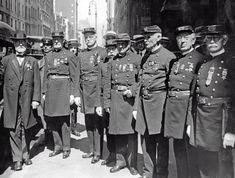 1921 Civil War veterans attend the funeral of General Horace C. Porter. IMAGE: HULTON-DEUTSCH/HULTON-DEUTSCH COLLECTION/CORBIS