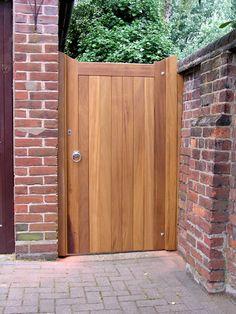 Pedestrian Gates Photos of Oak Gate Joinery in Bedfordshire Wooden Side Gates, Wooden Garden Gate, Garden Gates And Fencing, Fences, Wooden Gate Designs, Gates Driveway, Fence Gate Design, Garden Entrance, Gate Ideas