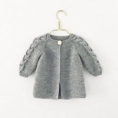 Nordic Spring Jacket (English) – Knit By TrineP Fall Cardigan, Knitted Baby Cardigan, Knitted Hats, Knitting For Kids, Baby Knitting Patterns, Tie Dying Techniques, Spring Jackets, Jacket Pattern, Knit Jacket