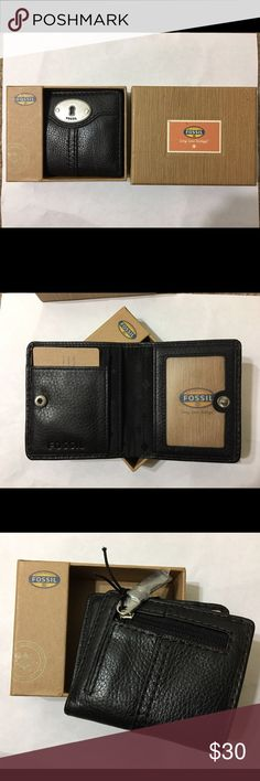 New Fossil wallet Cute wallet! Never used. Make me an offer OR when you bundle 3 or more items from my closet you only pay shipping ONCE, you get 15% OFF, and a FREE JEWELRY RELATED GIFT!!! Fossil Bags Wallets