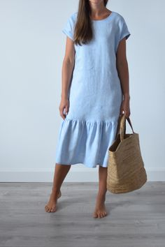 Linen flounce dress with side pockets, a crew neck, short sleeves and a hem flounce.Best either for work or casual wear. Casual Work Dresses, Black Dress Outfits, Dresses For Work, Casual Wear, Linen Dresses, Cotton Dresses, Oeko Tex 100, Summer Dresses For Women, Summer Outfits