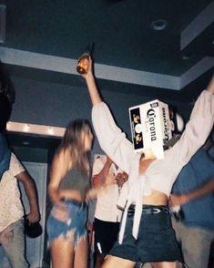 Fotografia Summer Party Friends Ideas For 2019 # friends . - Fotografia Summer Party Friends Idee per gli amici # 2019 Th - Party Pictures, Friend Pictures, Film Pictures, Night Pictures, Cute Summer Pictures, Drunk Pictures, Summer Pics, Summer Fun, Best Friend Goals
