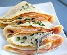 Healthier Ham and Cheese Crepes. A classic gets a healthy makeover with these Healthier Ham and Cheese Crepes. They're low fat gluten free & so delicious. Low Sugar Recipes, Wheat Free Recipes, High Protein Recipes, Pork Recipes, Cooking Recipes, Crepe Recipes, Brunch Recipes, Healthy Dinner Recipes, Ham And Cheese Crepes