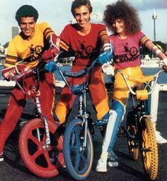 Nicole Kidman on the set of BMX Bandits, 1983 Vintage Bmx Bikes, Velo Vintage, Retro Bikes, Bmx Bike Parts, Bmx Bicycle, Moto Bike, Nicole Kidman, Bmx Bandits, Bmx Cruiser