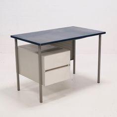 Located using retrostart.com > Writing Desk by André Cordemeyer for Gispen