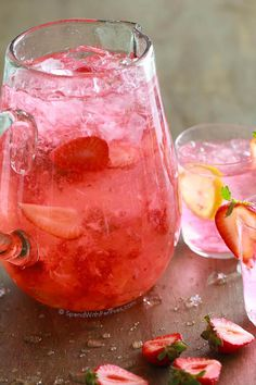 Easy Homemade Strawberry Lemonade! This is the ultimate summer drinks loaded with fresh ripe strawberries and zesty tart lemon. The entire family will love this refreshing drink, perfect for a hot summer day! Make it into a cocktail by adding a splash of vodka!