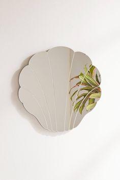 Slide View: 2: Spiegel im Muscheldesign