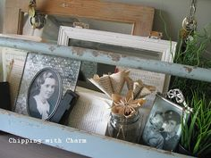 love the idea of using a wooden tool box to hold picture frames.  so doing this