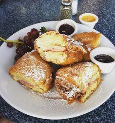 Monte Cristo but more like Diabetes  #neworleanssquare #diamond #disneyland #disney #thanksTiana by nguyener4321