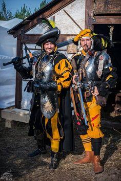 Averland larp armor medieval armor Made to order officer suit doppelsoldner gunner costume larp knight armor cosplay armor Larp Armor, Cosplay Armor, Knight Armor, Medieval Costume, Medieval Armor, Medieval Fantasy, Medieval Gown, Warhammer Fantasy Roleplay, Costume Armour