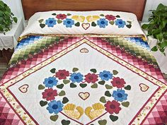 Sunshine Sweetheart Quilt -- exquisite made with care Amish Quilts from Lancaster (hs4610)