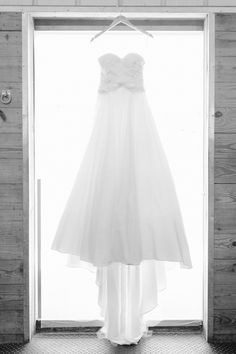 Wedding Dress, Bride, Wedding Photography, Details, Destiny Hill Farm, Photo: Lauren Renee Designs