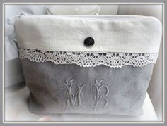 IMGP1385 Creation Couture, Linens And Lace, Bag Organization, Pin Cushions, Zipper Pouch, Cosmetic Bag, Purses And Bags, Fashion Beauty, Shabby Chic
