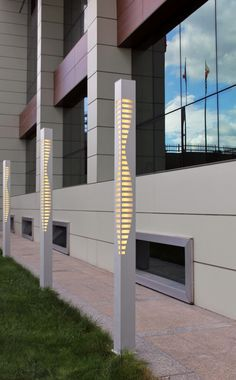 'Modern Lines' Aluminum LED Tall Outdoor Bollard Lighting -- 'Modern Çizgiler'… Best Outdoor Lighting, Cool Lighting, Lighting Design, Lighting Ideas, Corridor Lighting, Bollard Lighting, Modern Exterior Lighting, Modern Lighting, Outdoor Garden Decor