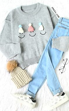 Adorable warm style-Grey hat embellished drop shoulder sweater outfit.