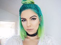 Sophie Hannah Richardson - Blogger