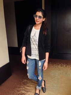 Samantha Ruth Prabhu was born on April 1987 in Chennai. She completed her B.Com degree from Stella Maris College , Chennai. Samantha first debut movie . Samantha Photos, Samantha Ruth, Casual Work Outfits, Trendy Outfits, Fashion Outfits, Demin Dress, Stylish Dpz, Latest Tops, South Indian Actress