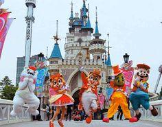 Korea amusement park :  Seoul lotte World Very fun and happppppy:) good trveling!