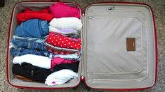 California vacation packing list for every trip, be it at the beach, Disneyland, skiing, camping, cruising or backpacking. Enjoy!