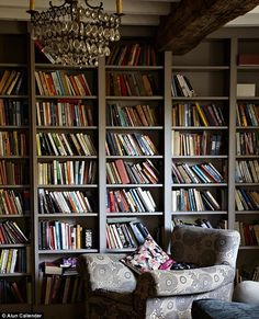 The perfect reading room. Floor To Ceiling Bookshelves, Painted Bookshelves, Bookcases, Charleston Grey Farrow And Ball, Living Room Bookcase, Bunk Beds Built In, Home Libraries, Elements Of Style, Cozy Corner