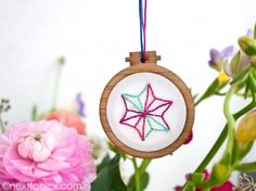 Seriously Simple Embroidered Christmas Decorations | next to nicx