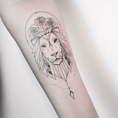 Imagen de arm, lines, and lion