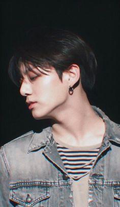 """Taehyung be careful "" Jackson. ""What the hell is that . ""Run Taehyung runnnnn . ------ ""Please don't eat me , "" Taehyung . Bts Jungkook, Taehyung, Jungkook Glasses, Jung Kook, Busan, Taekook, Seokjin, Namjoon, K Pop"