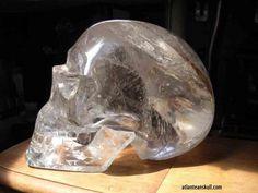 World Mysteries - Strange Artefacts: Crystal Skulls