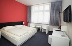 Lovely Munich Family Hotels To Fit Any Budget! Munich, Family Travel, Traveling By Yourself, The Good Place, Hotels, Budget, Spaces, Bed, Furniture