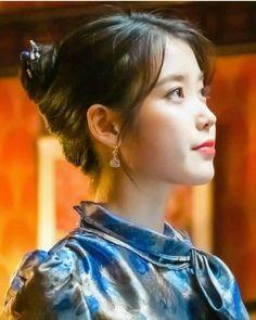 Kim Go Eun, Unique Faces, Korean Girl, Kdrama, Korean Fashion, Idol, Dressing, Actresses, Pretty