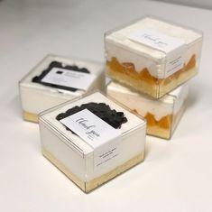 Best fruit packaging box creative Ideas – Design is art Dessert Packaging, Bakery Packaging, Food Packaging Design, Food Box Packaging, Box Creative, Fruit Cake Design, Bottle Cake, Dessert Boxes, Cafe Food