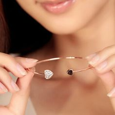 Cerkos.com: Fashion Chic Lovely Gold Plated Rhinestone Heart Shape Cuff Bracelet Bangle Lady Girl Party Prom Gift