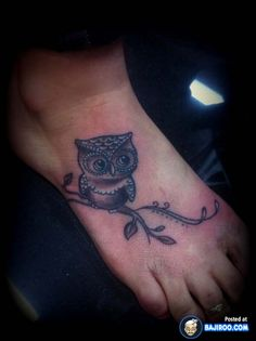 30 Pictures Of Amazing Foot Tattoo Designs For Women