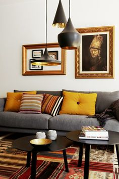 Wohnzimmer Einrichtungsideen in frischen Farben und mit modernem Mobiliar. Hier finden Sie bequeme Sofas und Sessel, attraktive Couchtische und weitere Möbelstücke.
