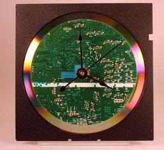 Computer Circuit Board Desk Clock | Criação de Sites | Construção de Sites | Web Design | SEO | Portugal | Algarve | http://www.novaimagem.co.pt