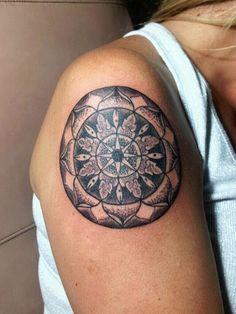 Mandala com pontilhismo ! Lorinho Nust Custom Tattoo BH  Contatos: (31) 9477-4781 = whatsapp ou lorinhotattoonust@gmail.com