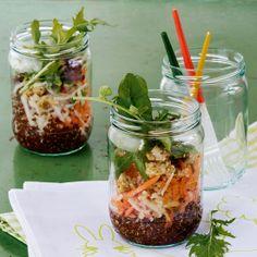 Quinoa-Gemüse-Salat im Glas