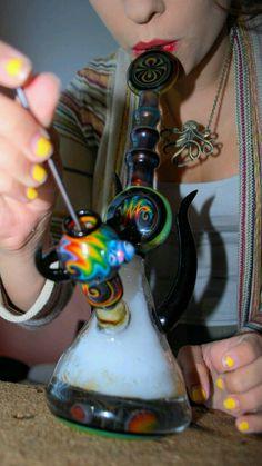 pinterest » @hellxamanda ♡ Weed Pipes, Pipes And Bongs, Water Bongs, Dab Rig, Nice Lips, Cannabis, Cool Pipes, Cool Bongs, Weed Bong