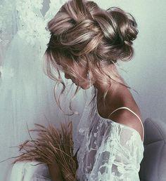17f8e0c57726 43 fantastiche immagini su Accessori capelli Sposa