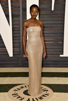 Lupita Nyong'o in Calvin Klein, 2015 Vanity Fair Oscar Party Image Fashion, Star Fashion, Celebrity Look, Celebrity Dresses, Oscar Verleihung, Lady, Beauty And Fashion, Red Carpet Gowns, Looks Street Style