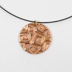 Collier métal bronze doré rond texturé