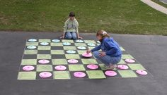 Play checkers in a HUGE way—outdoors! Make a life-size game board with sidewalk chalk and you can walk on and invent your own giant checkers/chess. Giant Checkers, Play Checkers, Outdoor Checkers, Backyard Games, Outdoor Games, Lawn Games, Outdoor Crafts, Outdoor Activities, Outdoor Parties