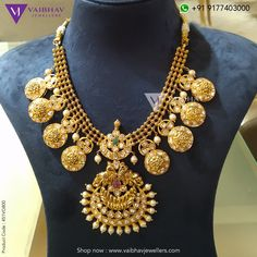 Pachi jewellery collection by Vaibhav jewellers photo Gold Temple Jewellery, Gold Jewelry, Trendy Jewelry, Jewelry Art, Indian Jewellery Design, Indian Jewelry, Designer Jewellery, Handmade Jewellery, Long Pearl Necklaces